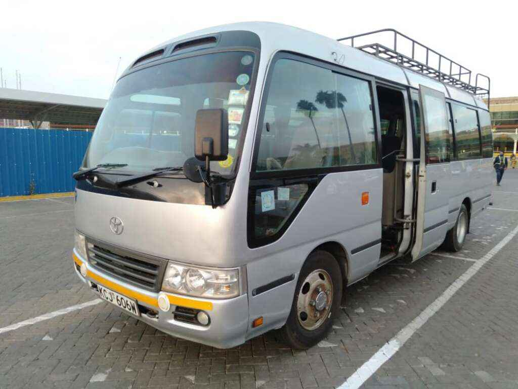 cost of hiring a bus for a day